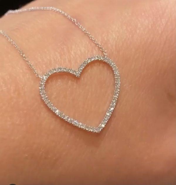 תליון צורת לב גדול יהלומים בזהב לבן
